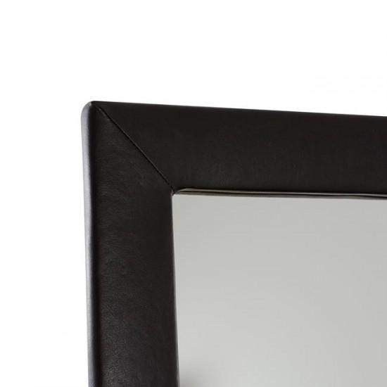 Скрин Ариане с огледало